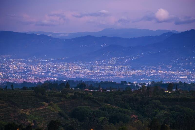 Ville de San Jose au crépuscule photo stock