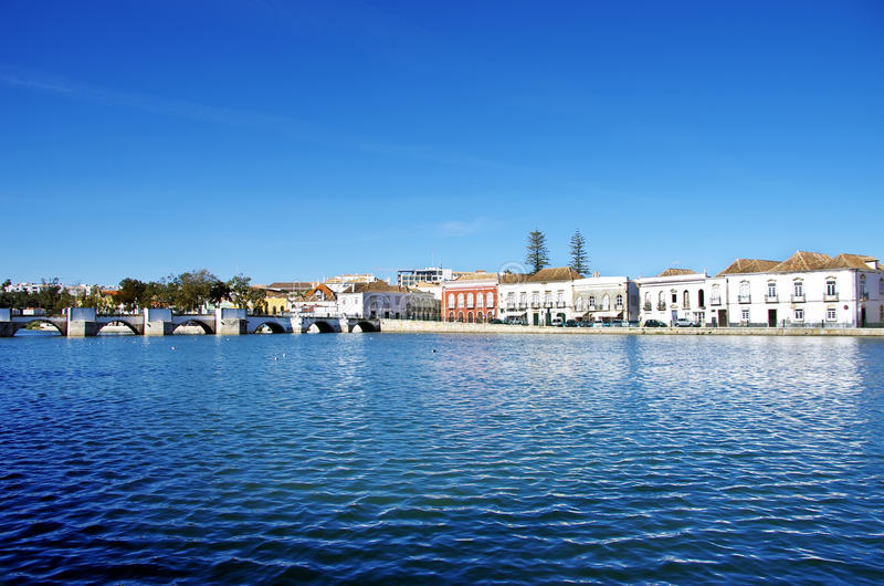 Ville de tavira portugal photo stock image du bleu for Piscine destock