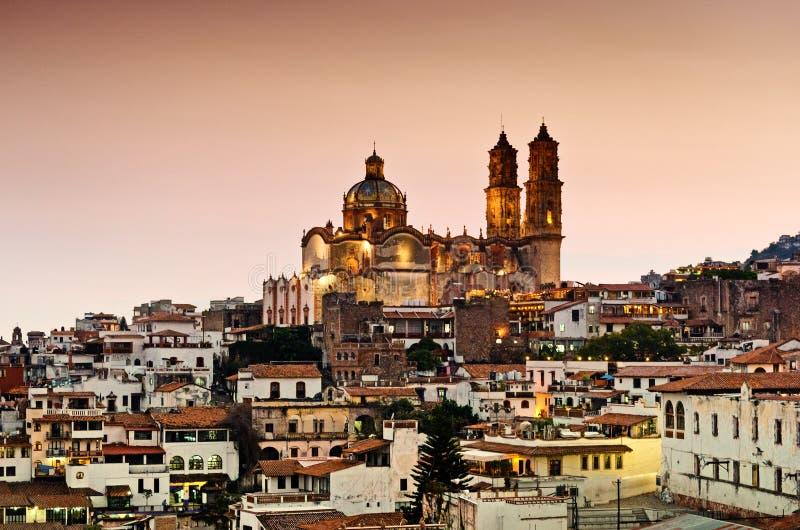 Ville de Taxco de vue de nuit, Mexique images stock