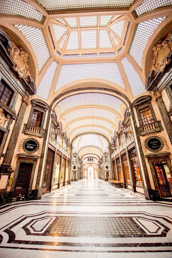 Download Ville de Turin en Italie photo éditorial. Image du commerce - 77161741