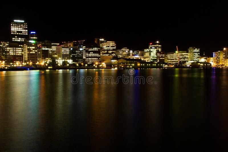 Ville de Wellington la nuit images libres de droits