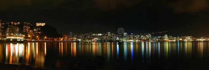 Download Ville De Wellington Par Night - La Nouvelle Zélande Image stock - Image du kiwi, panoramique: 72797