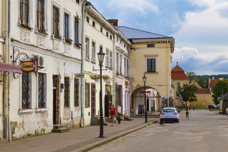 Ville de Zhovkva, rue de la vieille ville. Région de Lviv, Ukraine images stock
