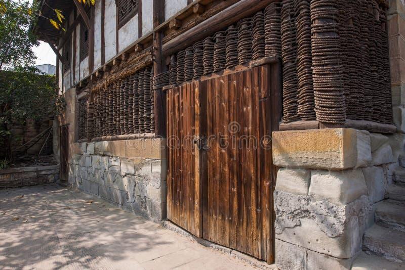 Ville de Zigong, mille mètres de sel antique - les ruines de fils d'une mer antique salent des bibliothèques de puits et les comm photographie stock