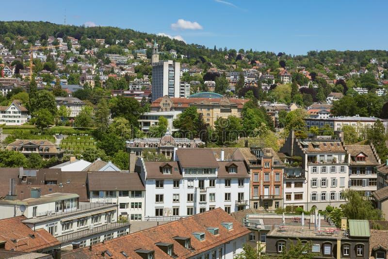 Ville de Zurich comme vu de la tour de la cath?drale de Grossmunster photos libres de droits