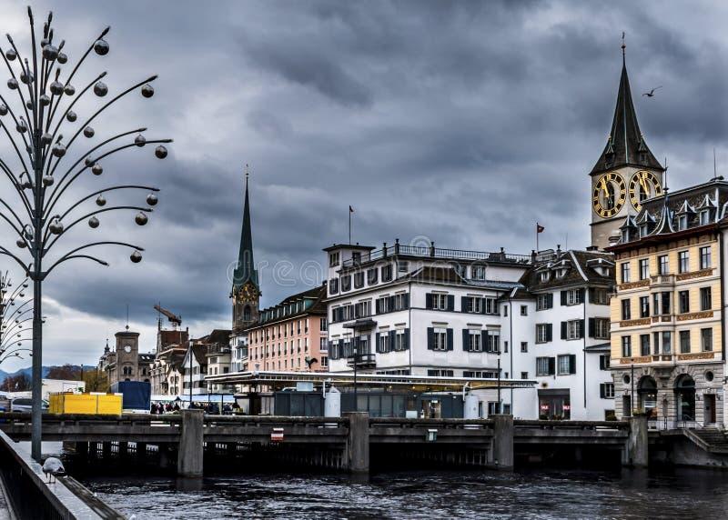 Ville de Zurich en hiver photographie stock libre de droits