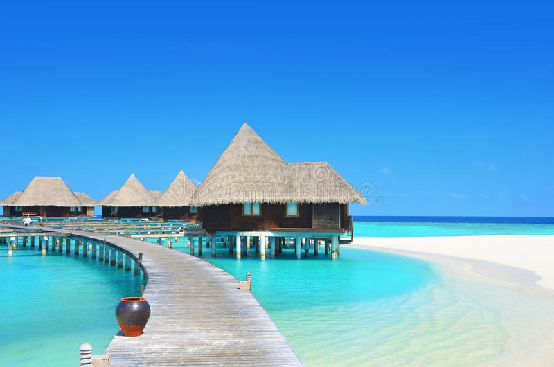 Download Ville Dell'acqua Nella Laguna Di Paradiso Immagine Stock - Immagine di bungalow, litorale: 56883397