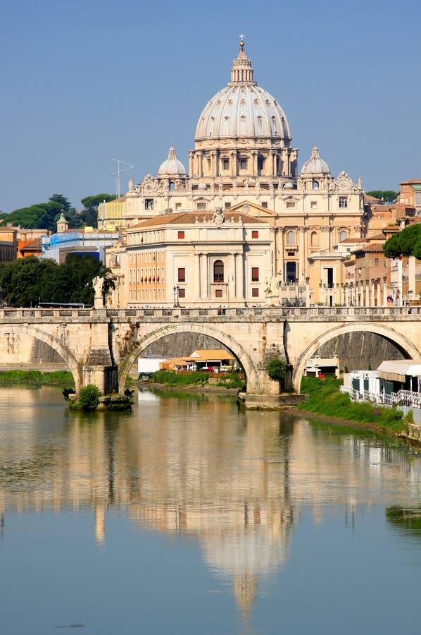 Ville du Vatican de Ponte Umberto I à Rome, Italie photos stock