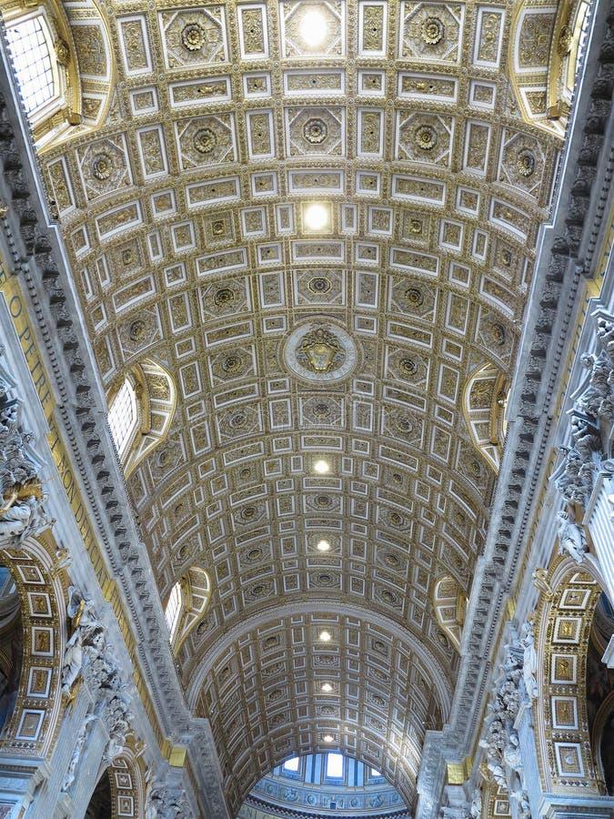 19 06 2017, Ville du Vatican : Intérieur d'intérieur du ` s de St Peter Basilic images libres de droits
