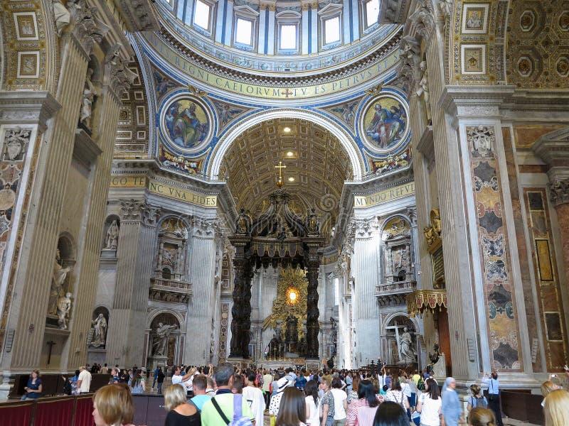 19 06 2017, Ville du Vatican : Intérieur de cathédrale du ` s de Saint Paul avec c photographie stock libre de droits