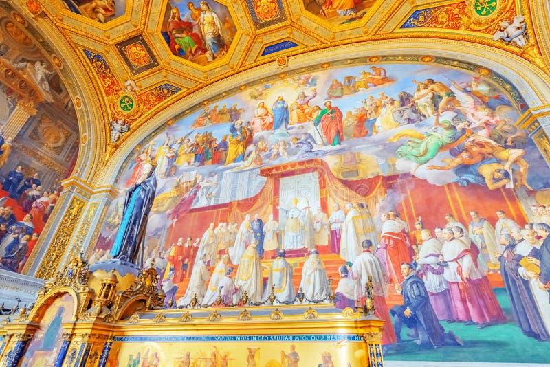 VILLE DU VATICAN, VATICAN 9 MAI 2017 : À l'intérieur du musée de Vatican, photo libre de droits