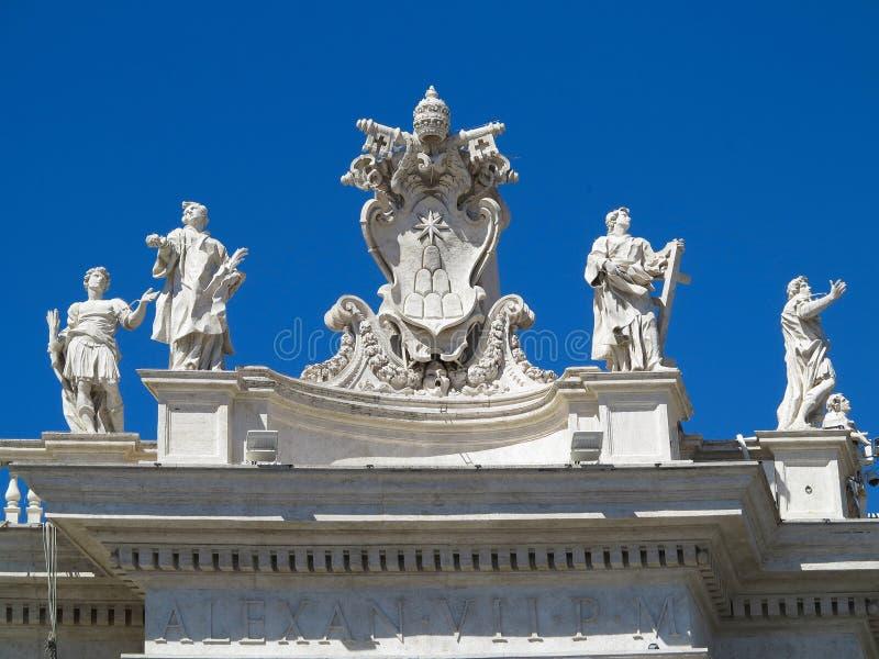 19 06 2017, Ville du Vatican, Roma, Italie : Statues et architectural photographie stock