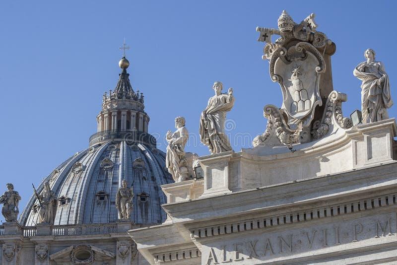 Ville du Vatican, Rome, Italie - détail architectural de la basilique de vatican photo stock