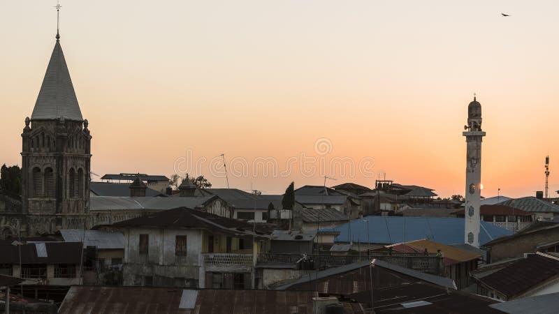 Ville en pierre à Zanzibar la nuit photo libre de droits
