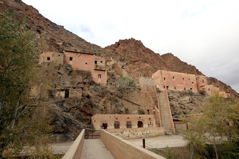 Ville française d'exploitation, montagnes d'atlas, Maroc photographie stock libre de droits