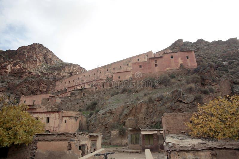 Ville française d'exploitation, montagnes d'atlas, Maroc images libres de droits