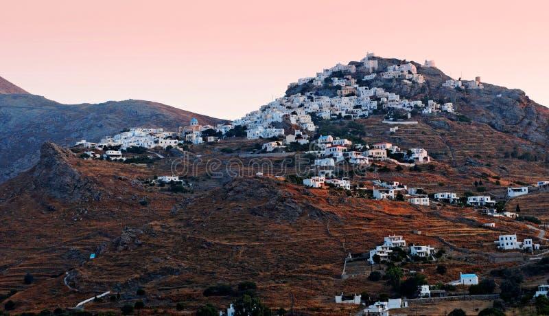 Ville grecque sur la montagne photo stock