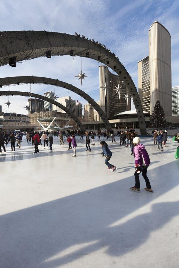 Ville hôtel de Toronto ou nouvelle ville hôtel Canada de piste de patinage images stock