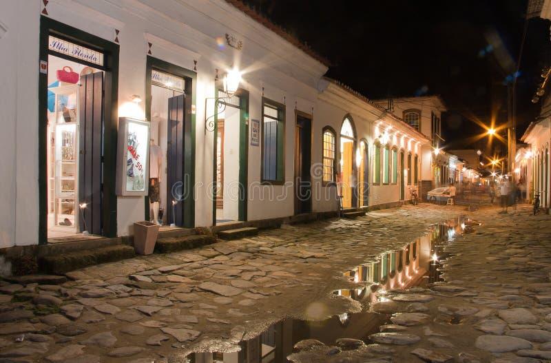 Ville historique de Paraty la nuit image libre de droits