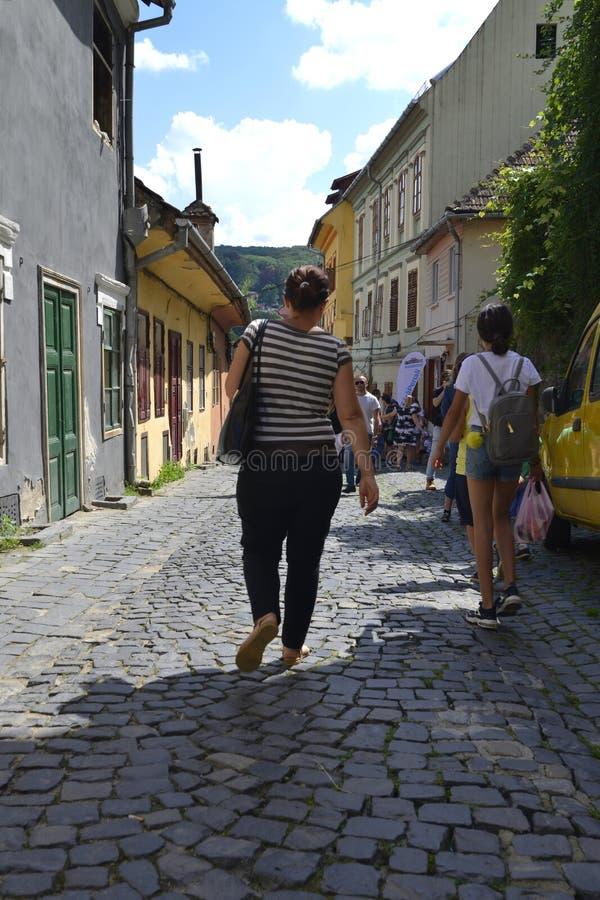 Ville médiévale de sighisoara Brique, trottoir photos libres de droits