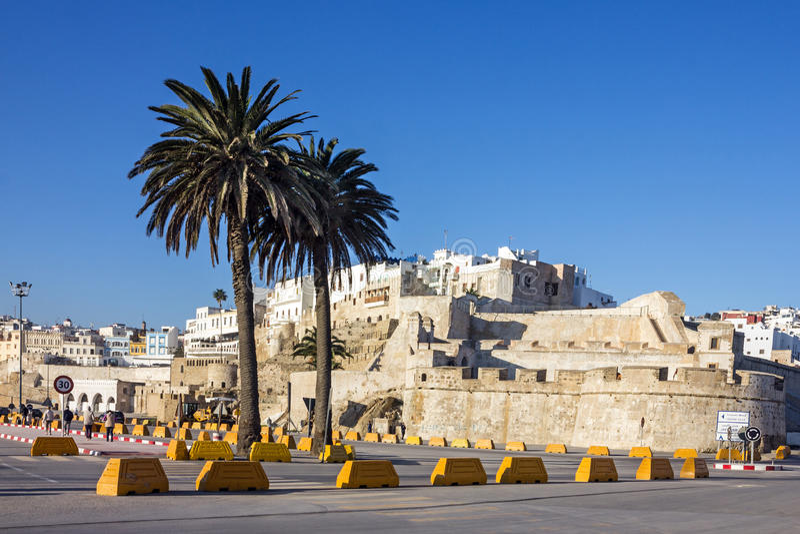 Ville marocaine Tanger, Maroc Forteresse fncient de la Médina photos stock
