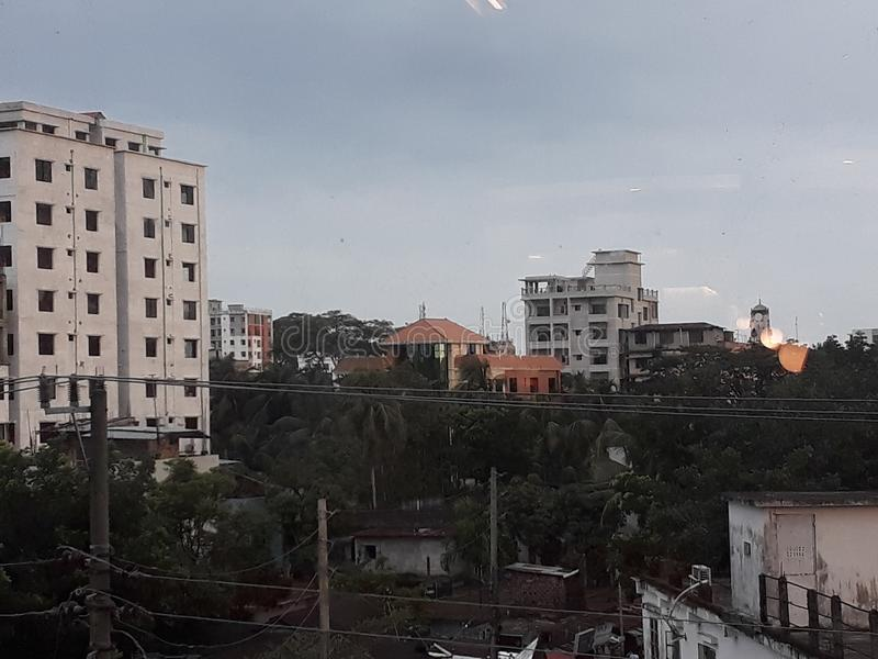 Ville nuageuse photos stock