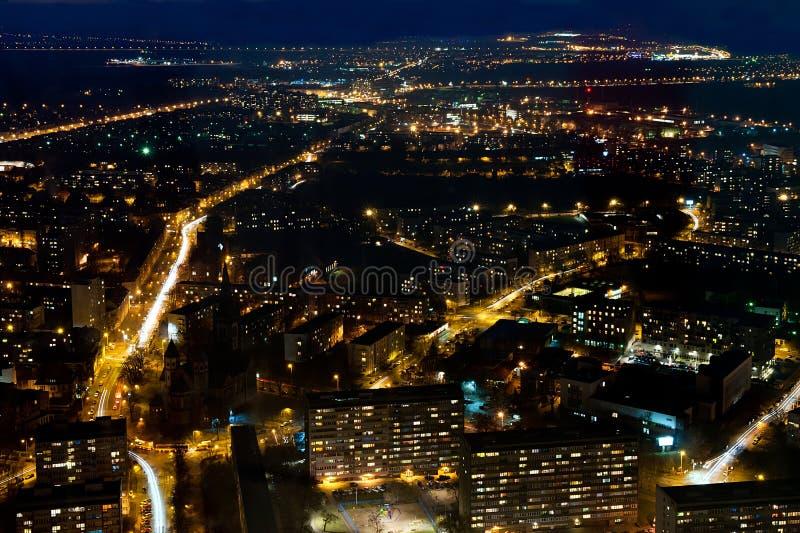 Ville par nuit images libres de droits