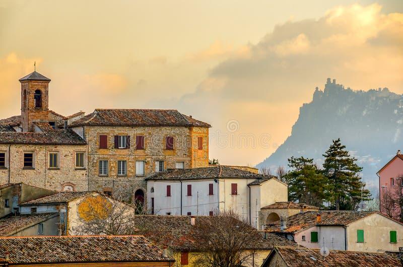Ville paysage italien Emilia Roma de Verucchio - de Rimini de village photos stock