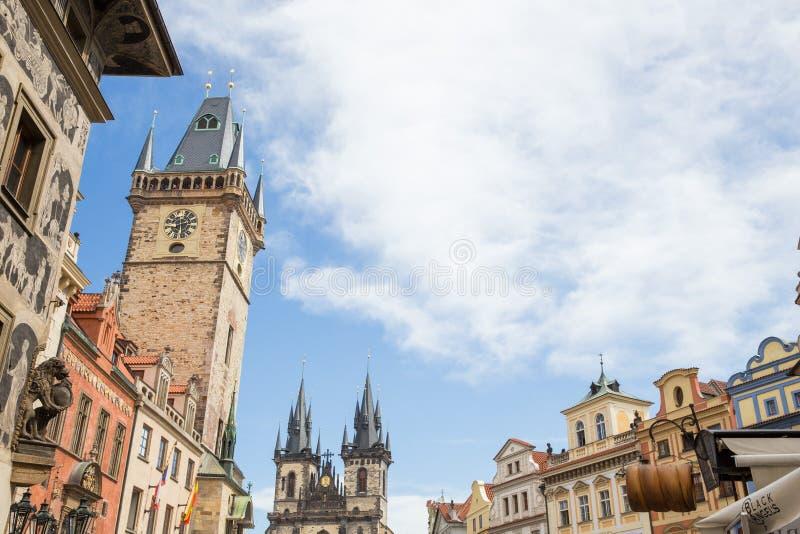 Ville Prague, R?publique Tch?que Vieux b?timents, rufs et vue de rue Photo 2019 de voyage 26 avril image libre de droits