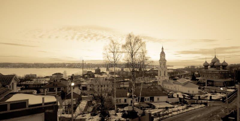 Download Ville Russe Antique De Kostroma Soirée De L'hiver Tonalité Photo stock - Image du temple, ville: 45352554