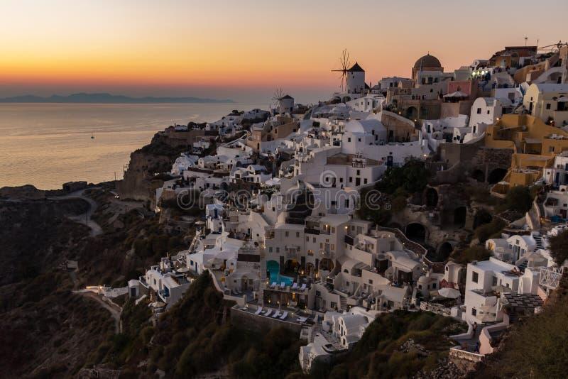 Ville Santorini Grèce d'Oia de coucher du soleil photo libre de droits