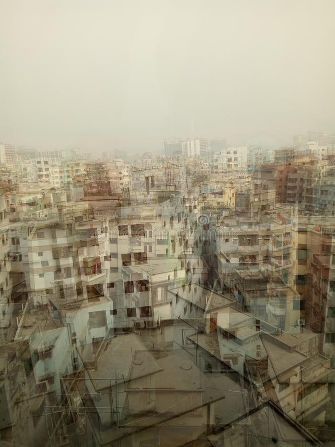 Ville se développante de ville occupée image stock