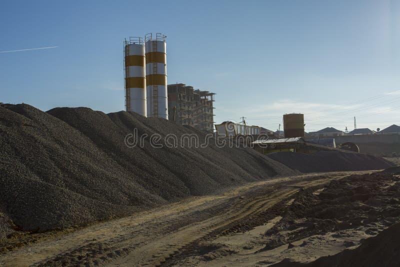 Villebrådkrossväxt i sand- och grusproduktion arkivfoto