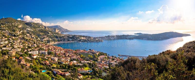 Villefranche-sur-Mer und Cap Ferrat auf französisches Riviera-Küstenlinienpanoramablick stockfoto
