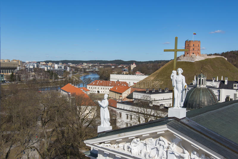 vilnius της Λιθουανίας Εναέρια άποψη σε Vilnius Πανόραμα Vilnius: Ποταμός Neris, παλαιά πόλη και άλλα αντικείμενα στοκ εικόνα
