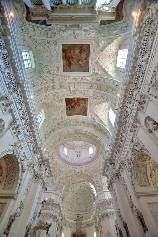 Vilnius - chiesa dello Sts Peter e Paul fotografie stock