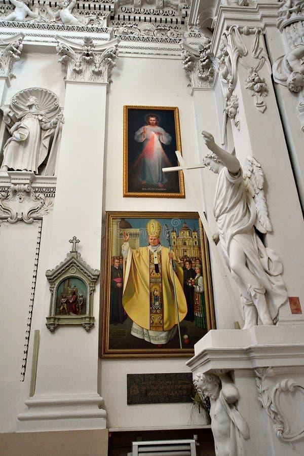 Vilnius - chiesa dello Sts Peter e Paul immagini stock
