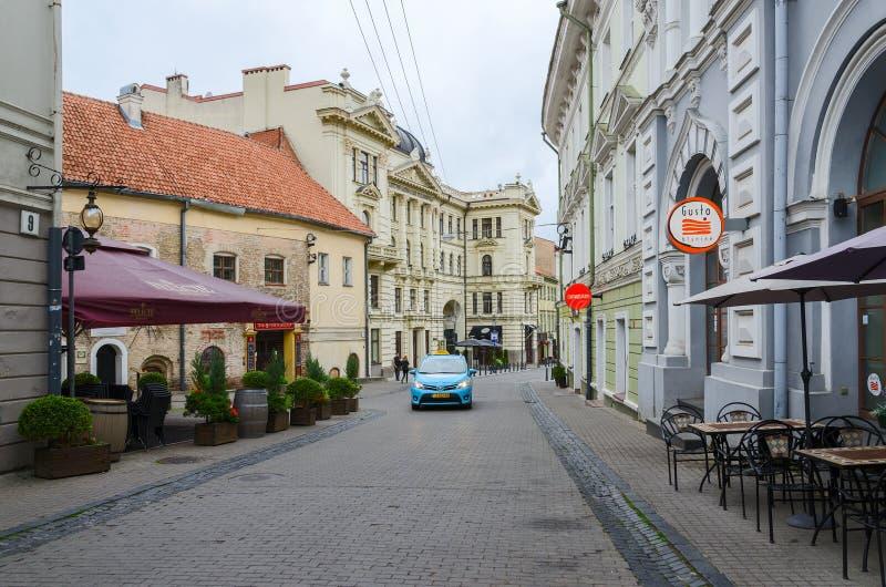 Vilnius, Città Vecchia, via Ausros Vartu fotografie stock libere da diritti