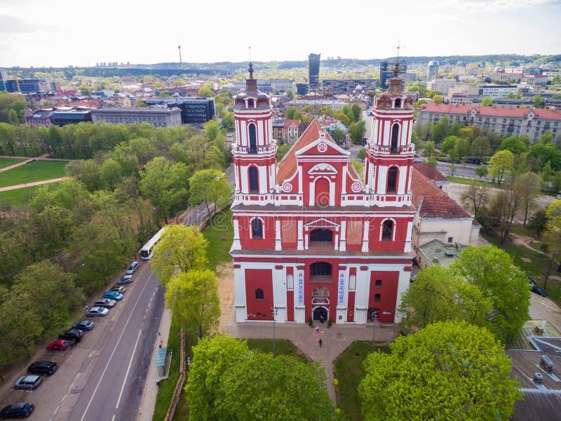 VILNIUS LITAUEN - MAJ 07, 2016: Kyrka av St Philip och St Jacob, Vilnius, Litauen royaltyfria bilder