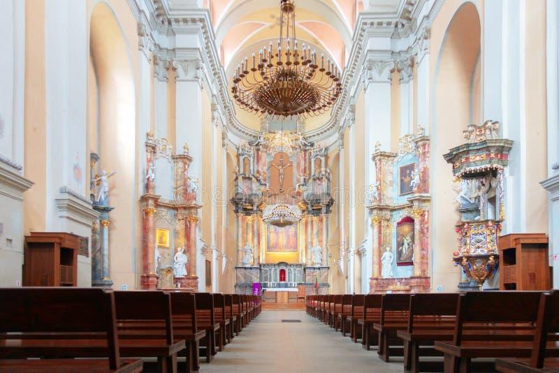 Vilnius Litauen - 12 mars 2019: Kyrkan och kloster av St Philip och St Jacob apostlarna i den Vilnius staden arkivbild
