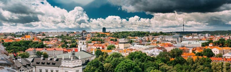 Vilnius, Lithuania Arquitetura da cidade Center histórica em Sunny Summer Da imagens de stock