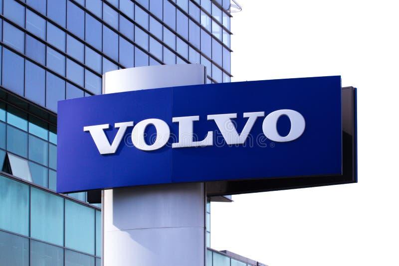 Vilnius, Lithuania Kwiecień 12, 2018: Volvo przedstawicielstwa handlowego logo Volvo jest Szwedzkim wielonarodowym zakładem produ fotografia stock