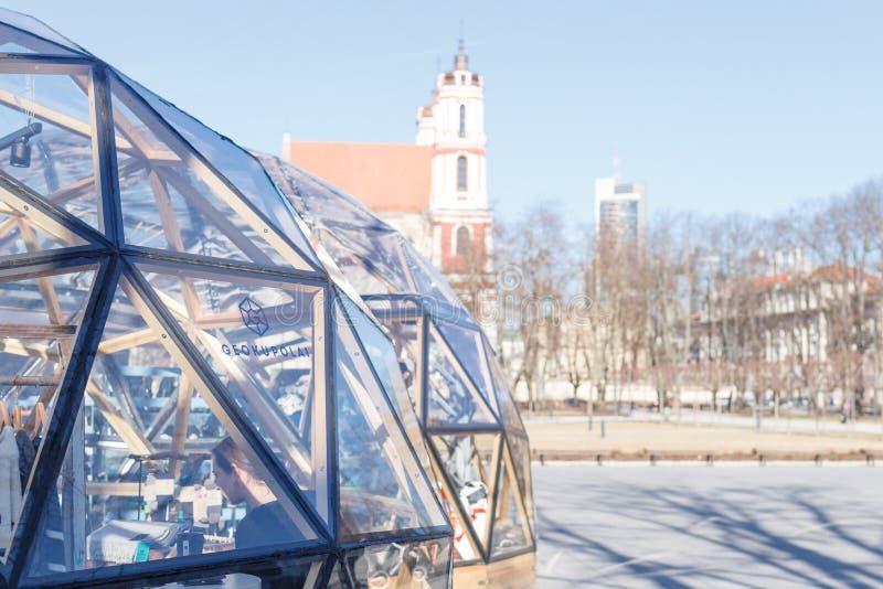 Vilnius Lithuania, Marzec 03 2019: Widok na kościół świątobliwy Jakob i Philip na Lukiskes kwadracie wielki kwadrat wewnątr obraz royalty free