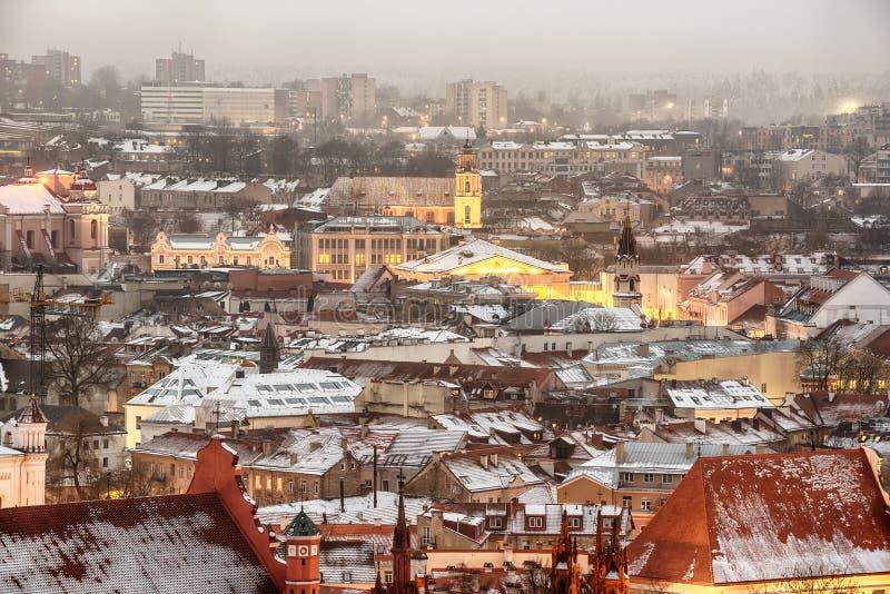Vilnius, Lithuania: widok z lotu ptaka stary miasteczko w zimie zdjęcia royalty free