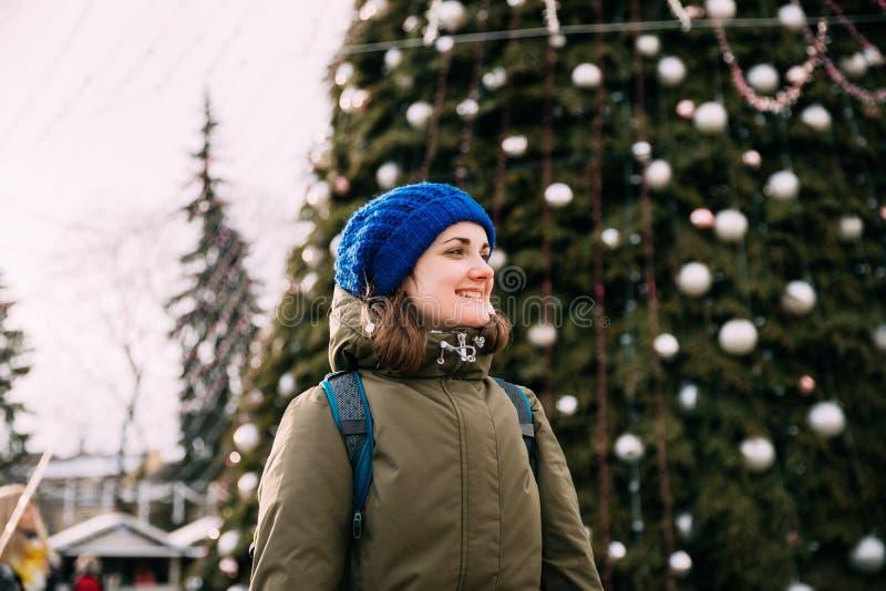 Vilnius, Lithuanie Jeune belle femme assez caucasienne de fille photos libres de droits