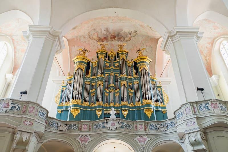 Vilnius, Lithuanie - 5 mai 2017 : organe musical à l'intérieur d'église de St Johns photos stock