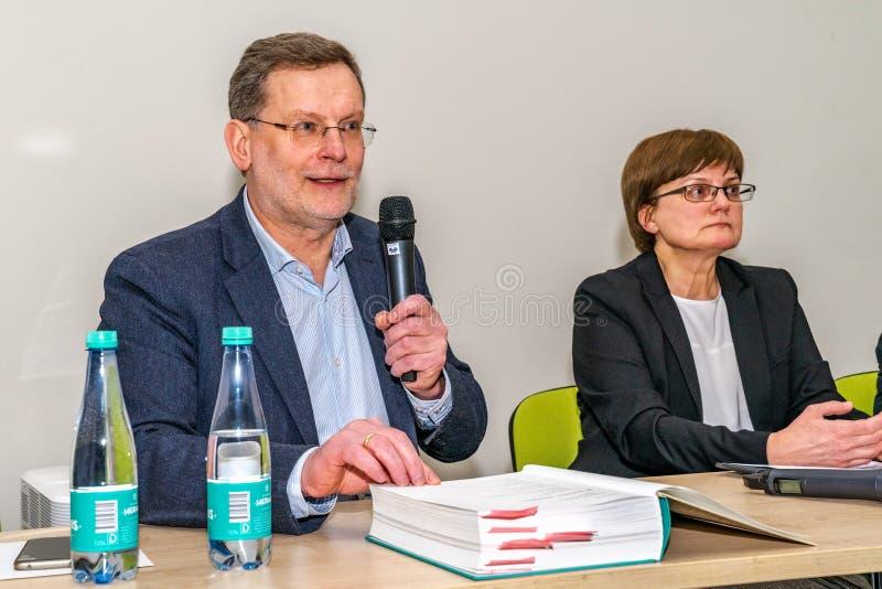 VILNIUS, LITUÂNIA - 21 DE FEVEREIRO DE 2019: O livro internacional de Vilnius favoravelmente imagem de stock royalty free