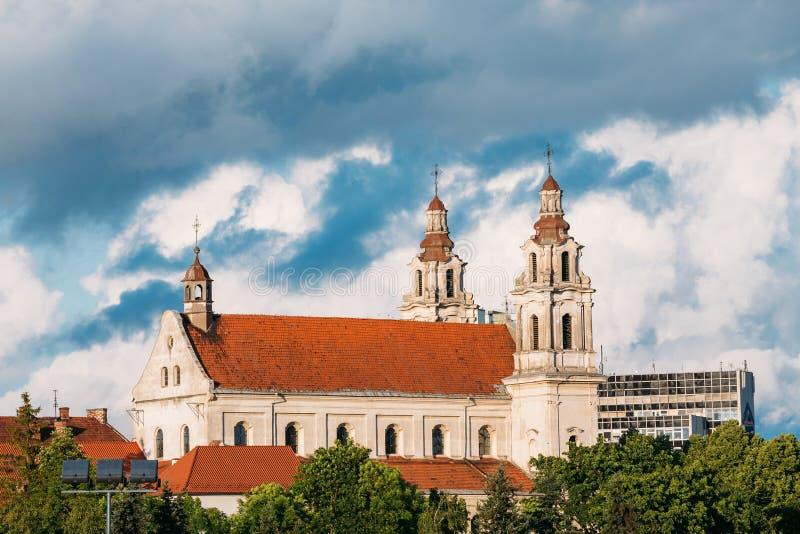 Vilnius, Lituania Iglesia del monasterio de la jesuita del St Raphael The Archangel And Former fotografía de archivo libre de regalías