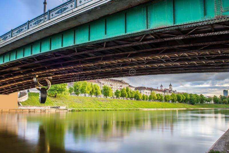 Vilnius onder de brug stock foto's
