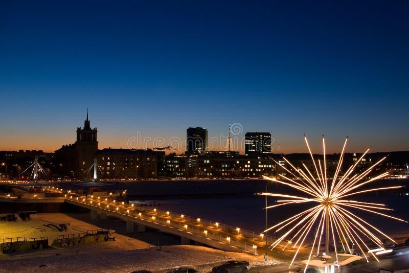 Vilnius-Stadt: weiße Brücke stockbilder